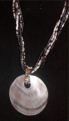 Estate Oyster Mother Of Pearl Sea Shell Necklace
