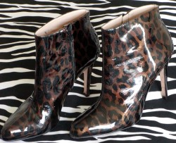 SUPER-SEXY Anne Klein Stiletto Booties LACQUER Animal Print
